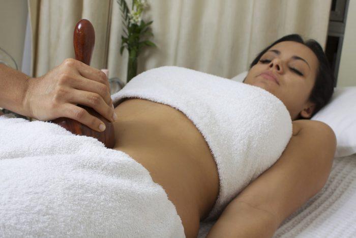 maderoterapia con copa en abdomen