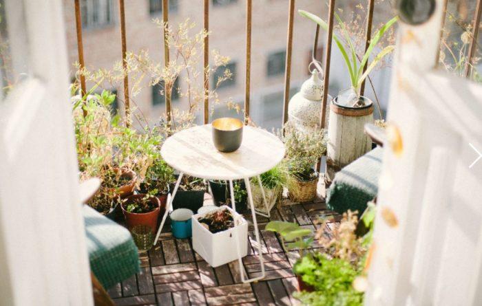 crema solar durante la cuarentena balcón protección sol