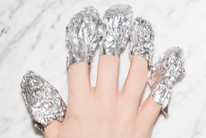 como retirar las uñas de gel en casa