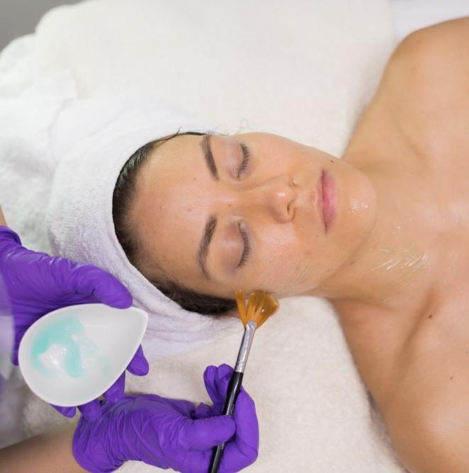 Tratamiento facial hidratacion y proteccion de la piel en verano
