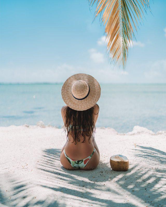 Cuáles son los principales productos de belleza para tu mochila de verano cuando vas a la playa?